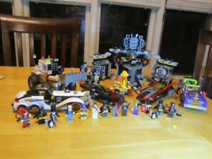 (4) different Batman sets - Lego compatible