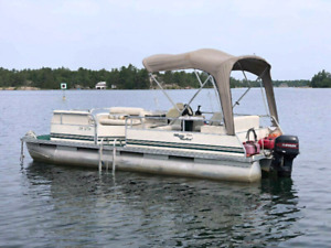 20 ft Misty harbor pontoon boat
