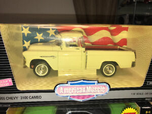 Chevy 3100 cameo pick up 1955 diecast 1/18 die cast