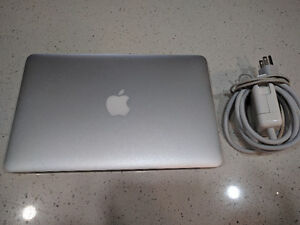 Macbook Air 11-inch, Mid 2013 / 1.3 Ghz Intel Core i5-8GB+256SSD