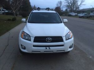 Moving sale, 2011 RAV4 in excellent Condition