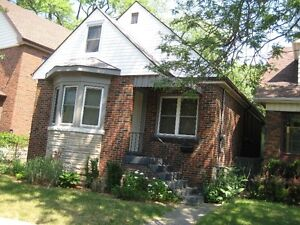 Perfect home in Hamilton for a family or investment!