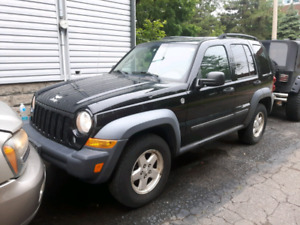2007 jeep liberty low Km's only 2200.00