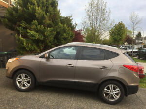 For immediate sale by first owner - 2011 Hyundai Tucson
