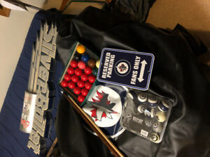 WINNIPEG JETS  POOL BALLS and JETS COVER
