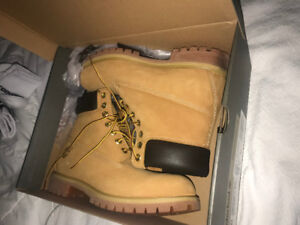 "Timberland 6"" Premium Sherpa - Men's size 10 and 10.5"