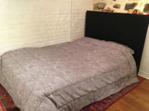 Double bed + Table and chairs all $200