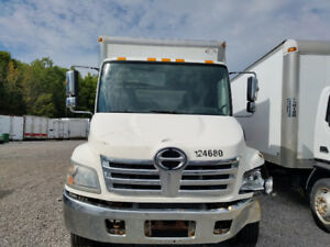 2010 HINO 185 for parts