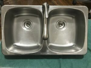 Double sink and Moen Faucet