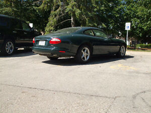 1998 Jaguar XK8 Coupe (2 door)
