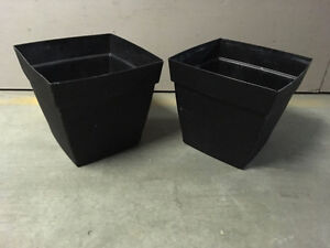 2 large pots with reservoir - for trees