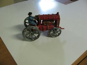 CAST IRON TOY TRACTOR
