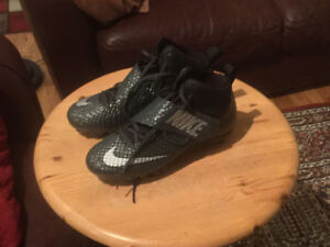 Size 9.5 brand new black Nike cleats