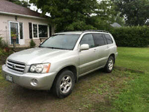 2003 Toyota Highlander •great condition •fuel efficient