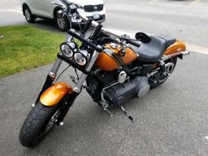 2014 Harley Davidson Fat Bob (like new)