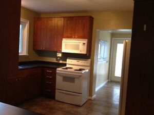 Lovely well maintained house for rent, available Nov.1st Stratford Kitchener Area image 4