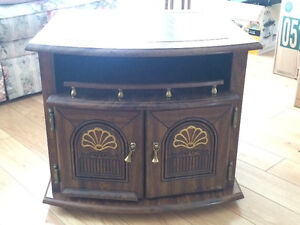 Matching coffee and end table Kitchener / Waterloo Kitchener Area image 2