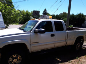 2003 chev 2500 with 1000lbs lift gate