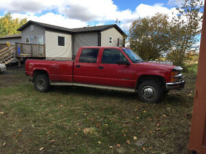 1998 Chevrolet crew 4x4 Long Box Diesel 5 speed