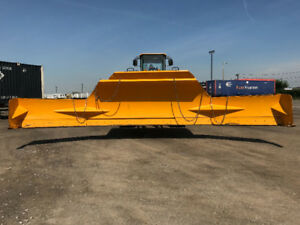 Wheel Loader with 26ft Blade