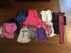 GIRLS  SIZE 7/8  ASSORTED CLOTHING:    LIGHTLY WORN