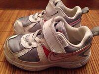 Girl's Nike running shoes size 9 preschool