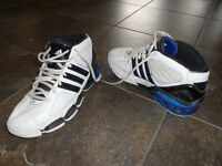 ADIDAS basketball shoe size 7 very good cond