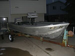 NICE 14 FT ALLUM. BOAT AND TRAILER-----NO MOTOR