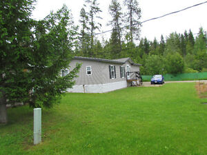 CLEAN HOME FOR RENT IN NAKUSP