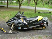 2005 mach z 1000cc pieces a vendre