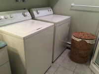 Laveuse Secheuse WHIRLPOOL: Chambly. Washer and dryer FREE