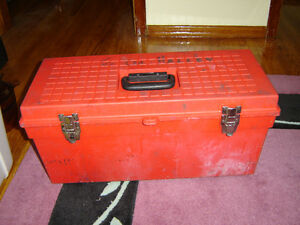 Large plastic toolbox with 2 shelves good condition