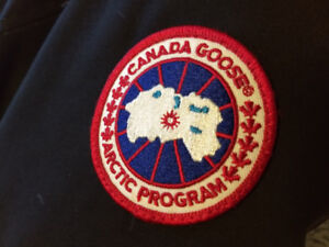 Authentic Canada Goose Chateau Parka Size S in Black *New Price*