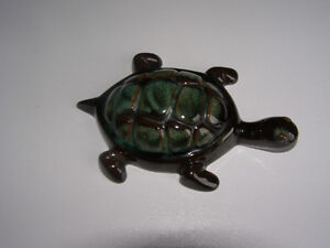 Blue mountain Pottery Small Turtle