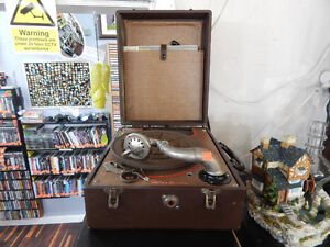 Antique Fleetwood Crank Record Player - Tested Working