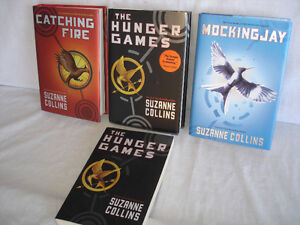 HUNGER GAMES BOOKSET COLLECTION.