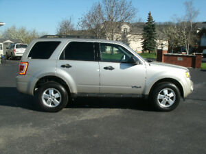 2012 Ford Escape XLT SUV, Only 119Kms, Financing Available!