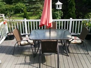 LARGE GLASS TOP TABLE PATIO SET WITH WICKER/METAL CHAIRS