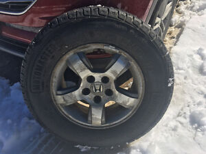 4 X Nearly new all season tires and rims for Honda Pilot
