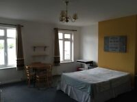 X-Large double room all bills included