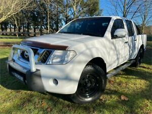 2014 Nissan Navara D40 MY12 Upgrade ST (4x4) White 6 Speed Manual Dual Cab Pick-up Richmond Hawkesbury Area Preview