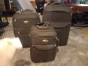Used 3 piece luggage set