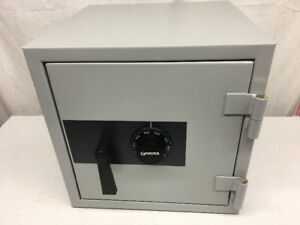 NEW Gardex Theft & Fireproof Safe / Coffre Fort GARDEX NEUF