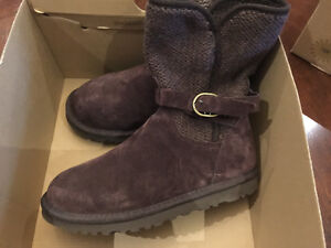 Authentic uggs brown