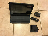 MOTOROLA XOOM 32 GB ANDROID TABLET WITH CHARGING STAND
