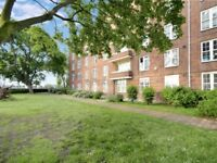 3 bedroom flat in Welland Street, Greenwich SE10