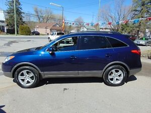 2010 Hyundai Veracruz Limited AWD SUV, Loaded,DVD,7 Pass.
