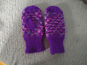 Home Knit Mittens