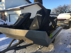2014 Freeride and 2009 MXZ with Triton trailer WILL NOT SEPARATE