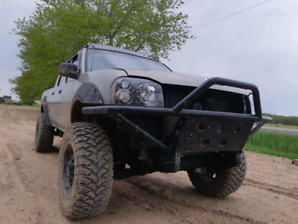 """6"""" LIFTED NISSAN FRONTIER 4X4"""